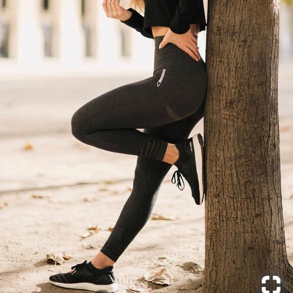 384579e3392f67 Rare Gymshark vital seamless leggings (black marl).  M_5bb10d4d534ef966e7bef047